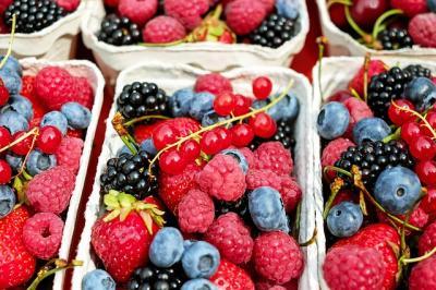 Berries 1546125 640